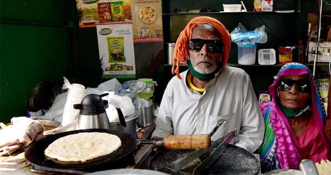 """ജീവനൊടുക്കാൻ ശ്രമം; """"ബാബ കാ ദാബ' ഉടമ കാന്ത പ്രസാദ് ആശുപത്രിയിൽ"""