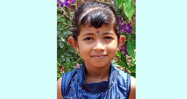 മാതാപിതാക്കൾക്കൊപ്പം നടന്ന ഏഴ് വയസുകാരിക്ക് ജീപ്പിടിച്ച് ദാരുണാന്ത്യം