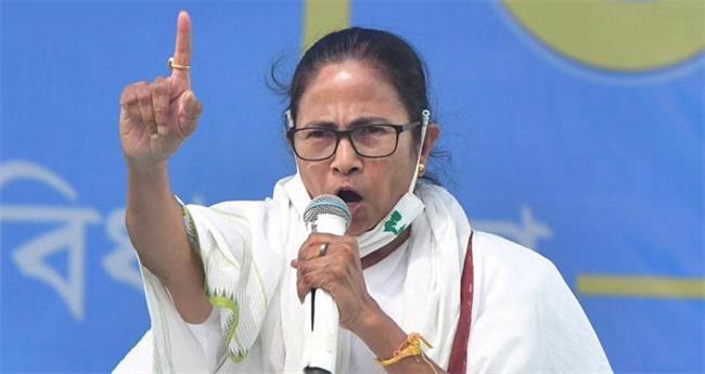 പെഗാസസ്: കേന്ദ്രത്തെ വെട്ടിലാക്കി അന്വേഷണം പ്രഖ്യാപിച്ച് മമത സർക്കാർ