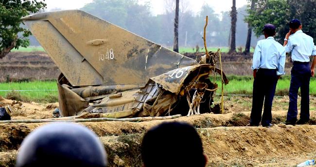 മ്യാൻമറിൽ വിമാനാപകടം: ബുദ്ധമത സന്യാസി ഉൾപ്പെടെ 12 പേർ മരിച്ചു