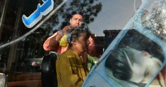 വല്ലാത്ത വിസ്മയം തന്നെ..! ബാർബർ ഷോപ്പുകളിൽ താടി വടിക്കുന്നത് നിരോധിച്ച് താലിബാൻ